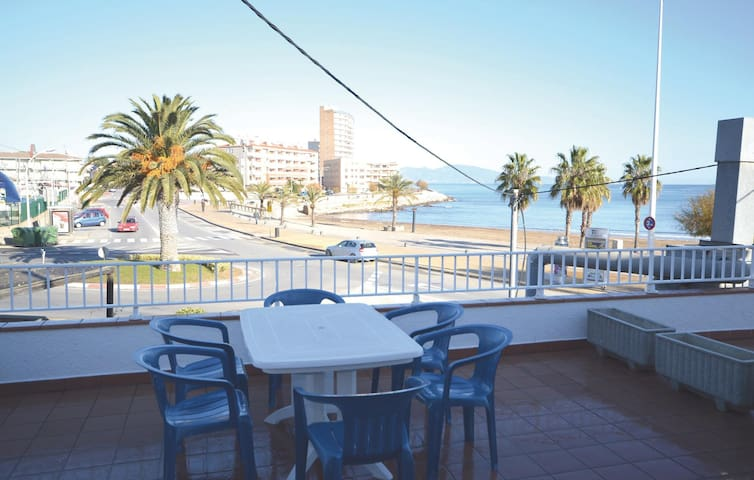 Holiday apartment with 2 bedrooms on 50m² in L'Escala