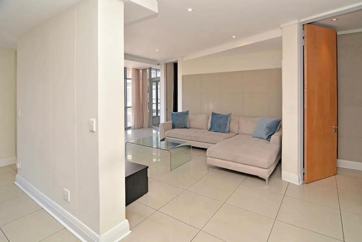 Modern apartment in the heart of Sandton