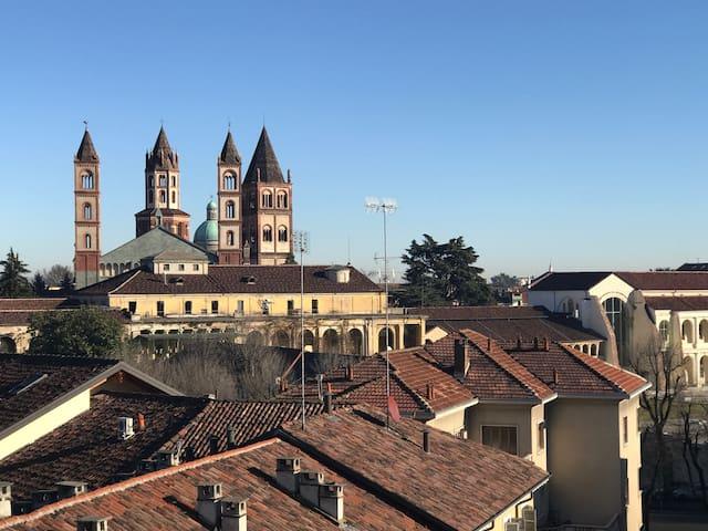 Centro città, stazione a 2 passi vista fantastica! - Vercelli - Lägenhet