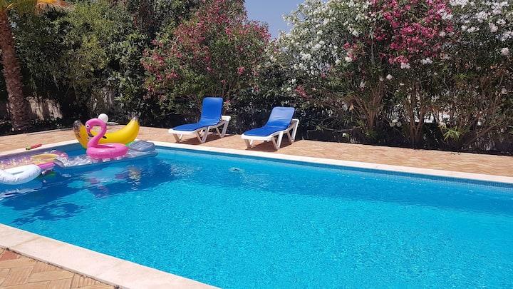 Casa Azul, maison familiale avec piscine privée.