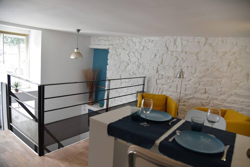 Appartement atypique proche gare appartements louer for Amenagement cuisine atypique