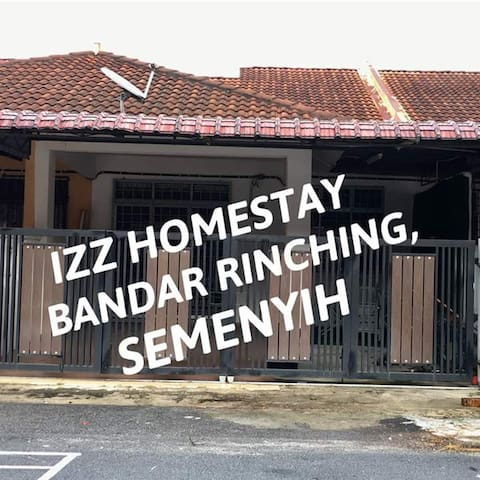 Izz Homestay Bandar Rinching,Semenyih