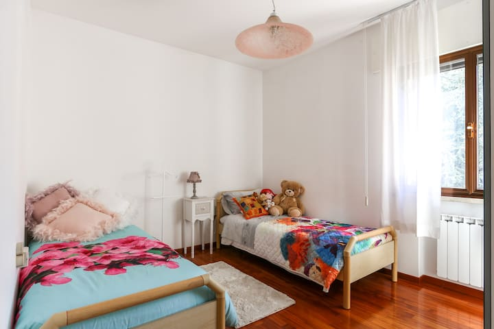 Cozy double room in apartment - Spinea