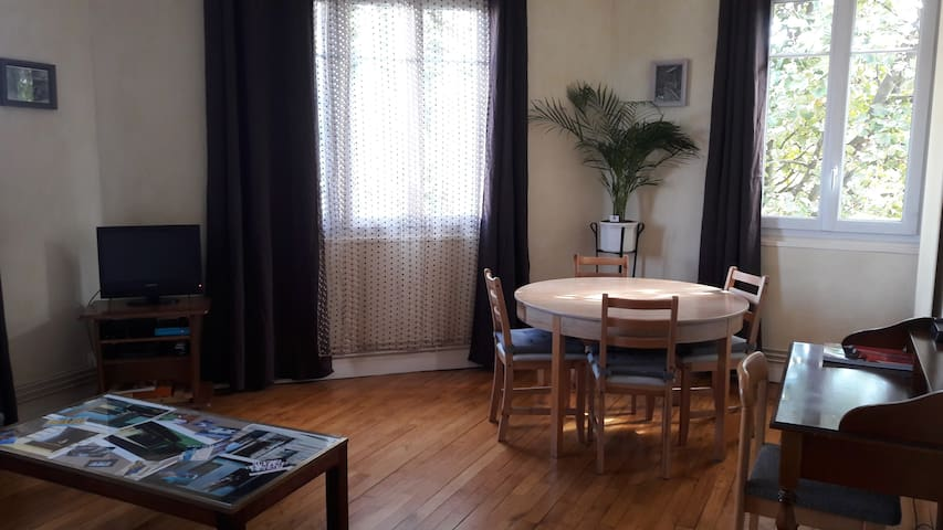 Apartment for 5 persons - Le Bourget - Leilighet