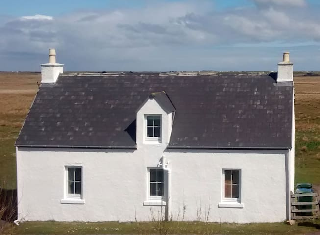 Croft View, cozy cottage on Isle of Tiree