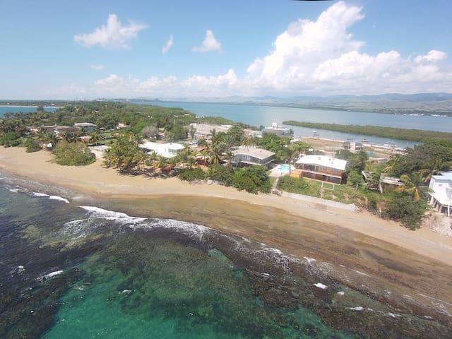 Caribbean Beachfront Gem 2 - Guayama - Huis