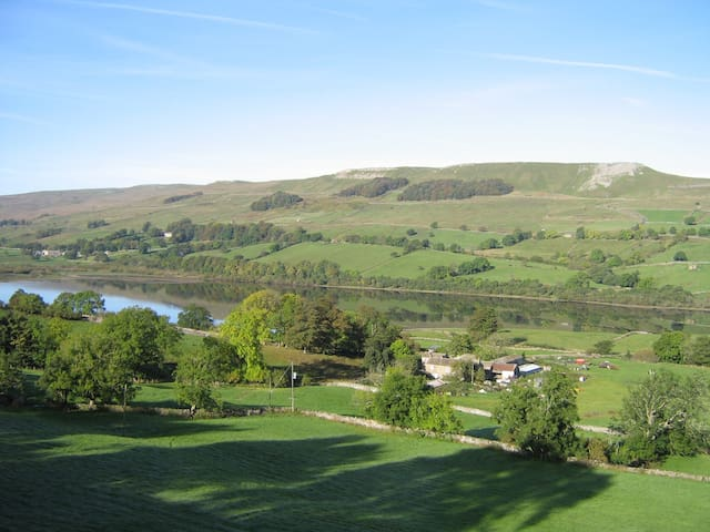 Secluded stays by SemerWater Room 2 - Askrigg - Bed & Breakfast