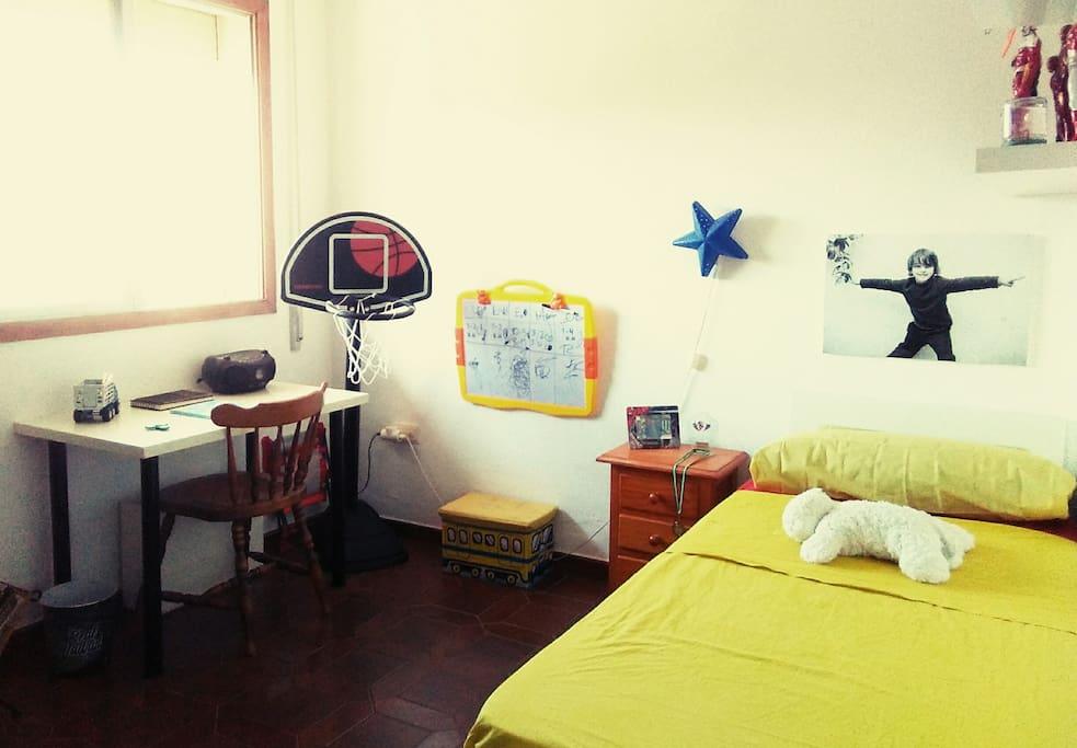 Amplia y habitación Individual