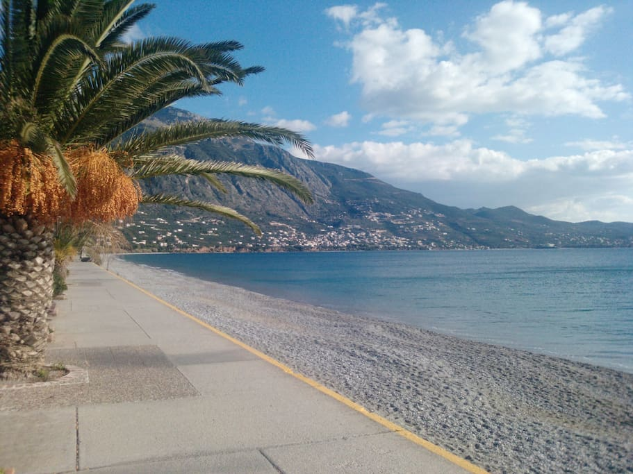 kalamata dating site Astros senior dating in greece i want to find a woman clever, sexy, 23-33 age range, for discreet or casual relationsships, not marriage i like fishingdiving, cooking, tavernas,bars, music,cars,speedy boats i like living with nature and tecnilogy at the same time.