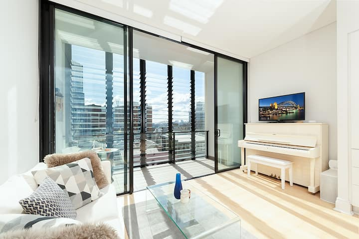 Stunning Potts Point Apartment