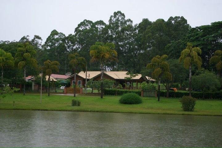 Casa deCampo Vila Pinhal,entre Brotas e São Carlos