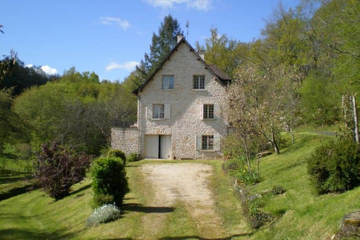 Charming House in Périgord - Saint-Laurent-sur-Manoire - Huis