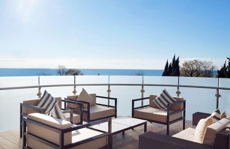 轻奢简约高层海景大一房,舒适整洁 有泳池 可烧饭