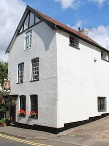 Self contained apartment in historic Chepstow - Chepstow - Rumah bandar