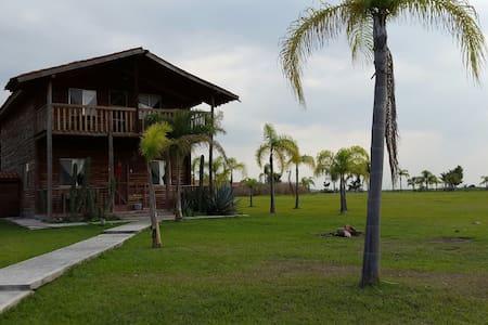 Cabaña en renta Paraiso del Lago - House