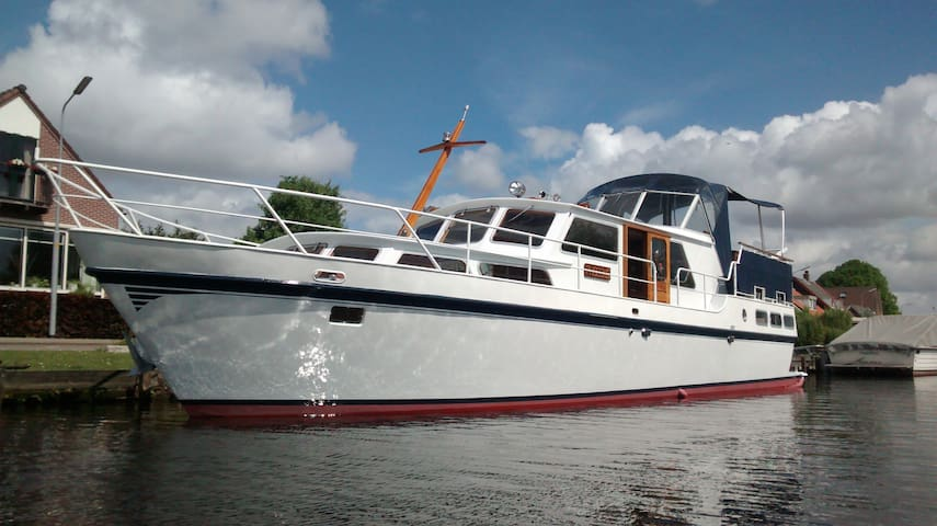 Your fantastic holiday on water!