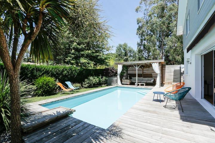 New ! Belle villa rénovée piscine, jardin !