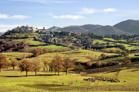 Intera casa in Borgo Medievale Valnerina - Umbria