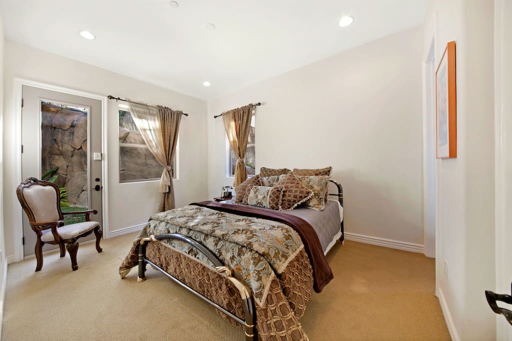 Spacious Bedroom with large walkin Closet also has private access