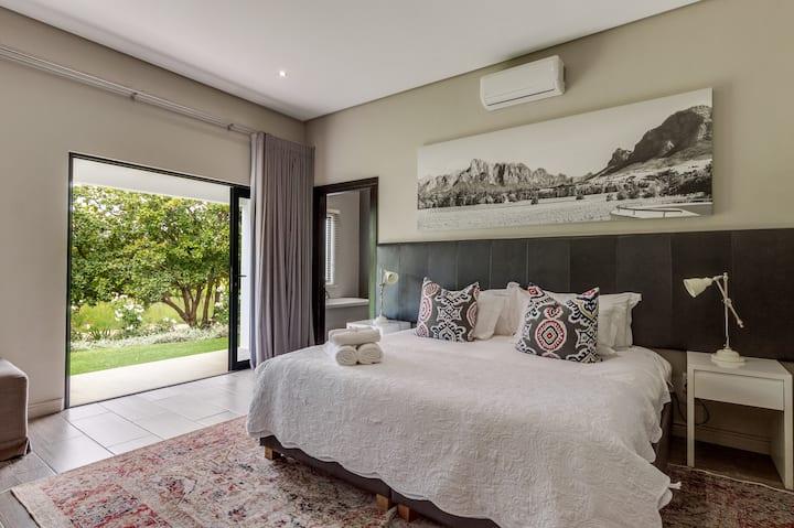 MERLOT VINEYARD ROOM @ Vrede en Lust Estate