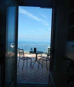 Villa Rosy - 2 bedroom apartment with sea views - Castellabate