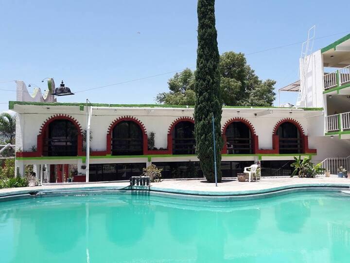 HOTEL MESÓN DE PURUA