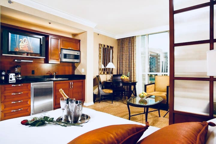 MGM Signature Balcony 26th Floor -NO resort fee