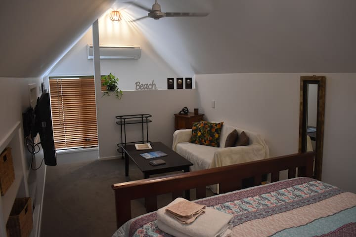 Private room in the heart of Noosaville