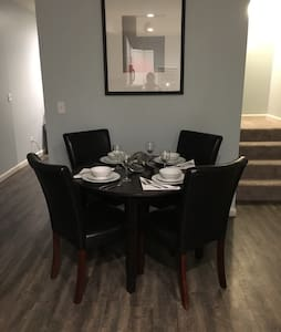 Luxury 2 BR ~ Close to Stadiums/Downtown - Pittsburgh