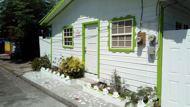 Emerald Apartment's #1