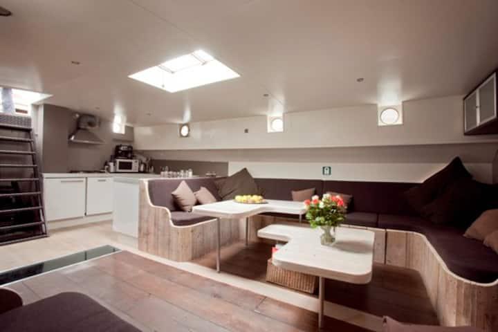 Lounge klipper Amsterdam  family or friends 2-10 p