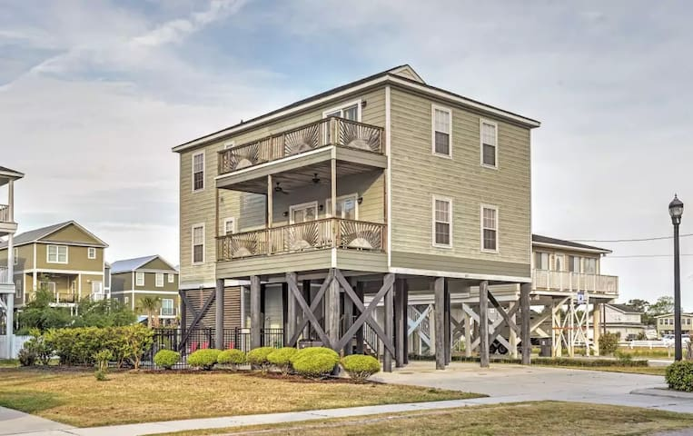 Spacious & Alluring Murrells Inlet House - Murrells Inlet - House