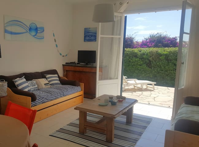 Cap d'Antibes, 2 pièces rdc + terrasse + parking - Antibes - Appartement