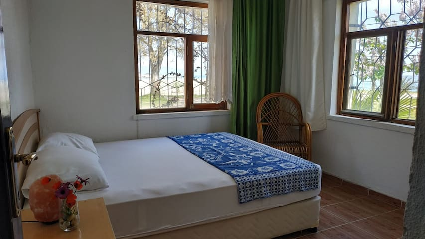 double room with private bathroom and sea view
