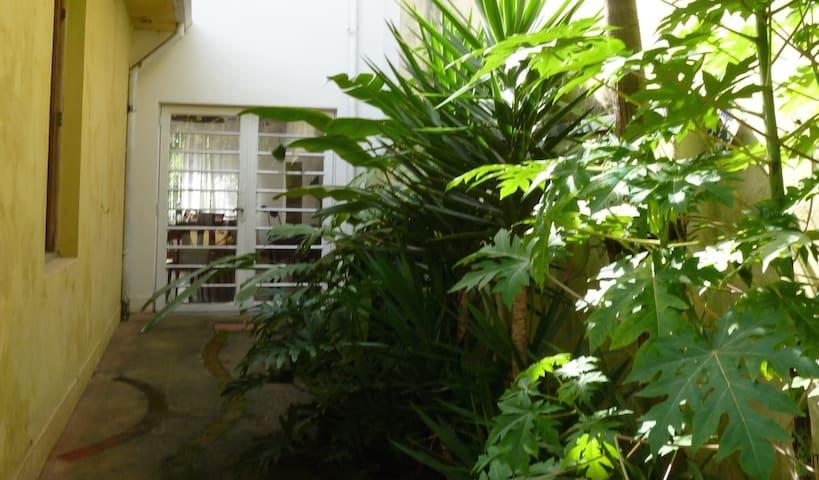 Chambres maison fraiche proche de l'av. Berrini