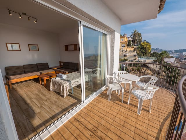 apt for 4 persons with pool in Blanes R80413