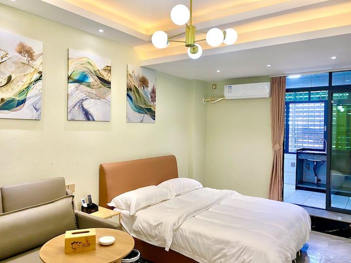 【一帆居】标准大床,沙发床,独立卫生间,独立厨房。