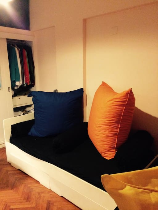 Outra das camas do quarto