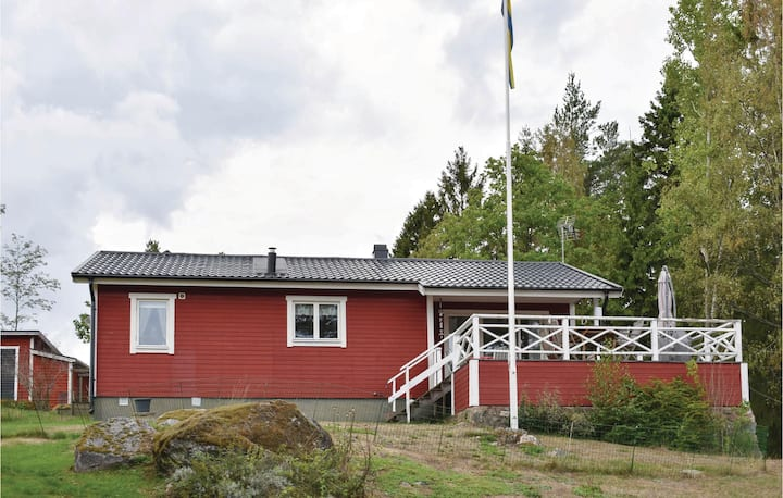 Nice home in Vikbolandet with 2 Bedrooms