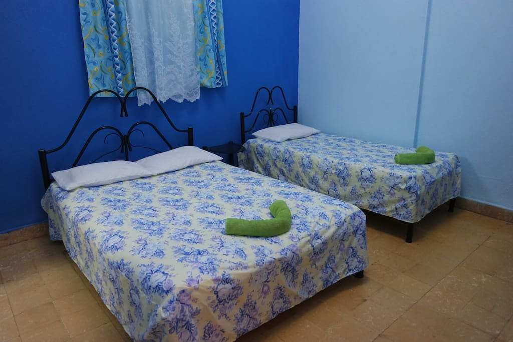 Bedroom-Habitacion
