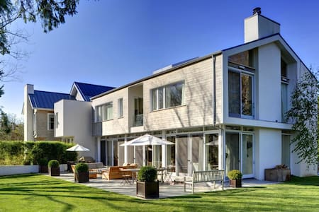 Hamptons luxury Home, south of hghwy Sagaponack* - Sagaponack - House