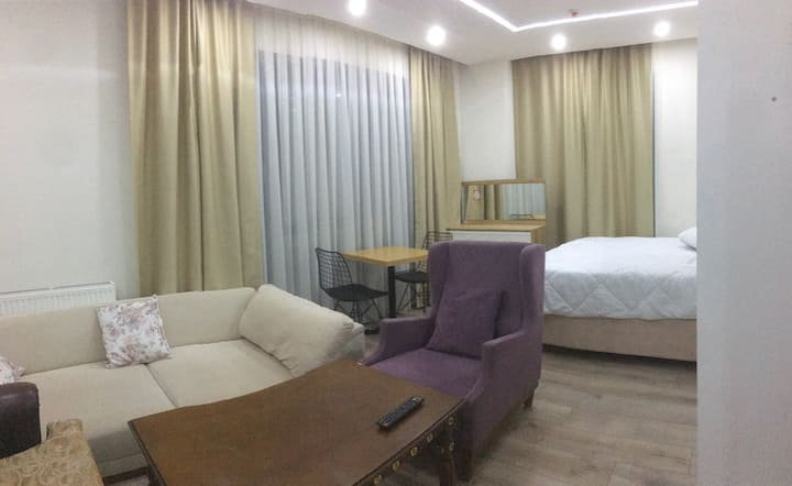 Luxury double private room. It's near the metrobus