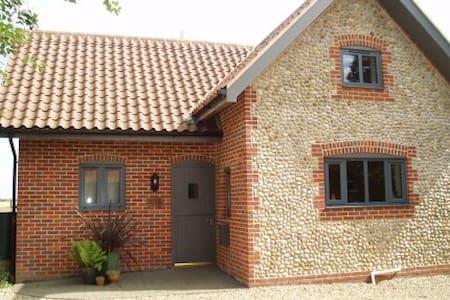 Hobby Cottage, Felbrigg, Cromer - Felbrigg