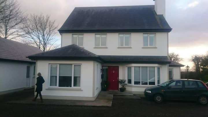 Beautiful house ideal for exploring Limerick