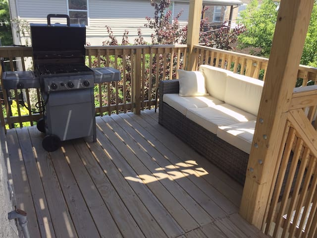 Soak up some sunshine on the spacious back deck!!