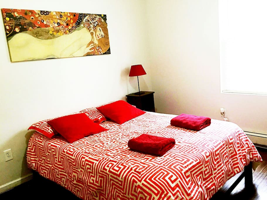 comfortable full-sized bed with clean sheet, pillows and comforters and there is a clean closet in the room that you can put your belongs as picture shown