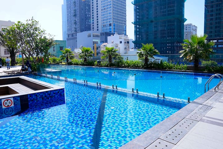 PRIVATE STUDIO - SWIMMING POOL - 5 MINS TO CENTER