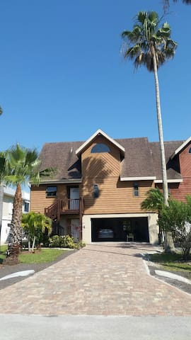 Island bay bungalow - Fort Myers Beach - Talo