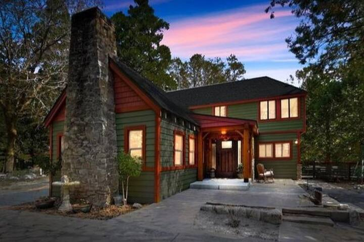 Twin Peaks/Lake Arrowhead Mountain Chalet