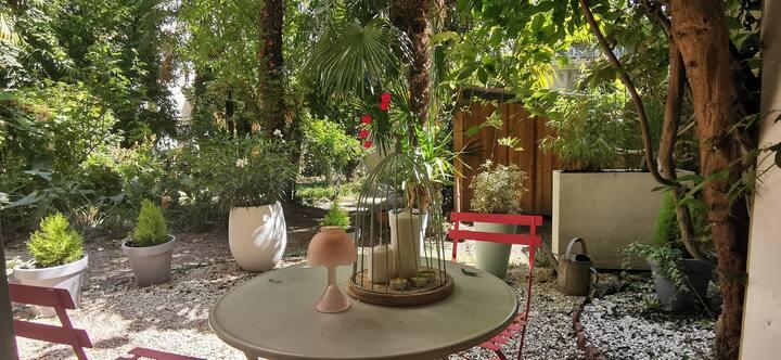 Bel Apt avec jardin et parking au coeur de Pau !